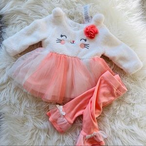 6-9M Adorable Fuzzy Cat Outfit!
